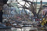 Philippinen: Zerstörungen in Tacloban City (14.November 2013)