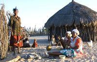 Die Buschleute wollen einfach nur in Frieden im Central Kalahari Game Reserve leben können. Bild: Survival International