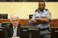Radovan Karadzic zu Beginn einer Verhandlung 2016