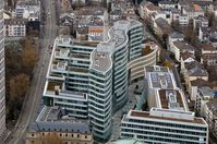 """Gebäudekomplex """"Frankfurter Welle"""", Blick vom Main Tower"""