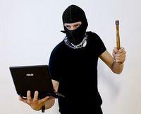 Hacker: auch für Autos eine Gefahr. Bild: flickr.com, Adam Thomas