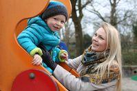 """Körperliches und seelisches Gleichgewicht bei Kindern ist wichtig. Hier kann Homöopathie helfen. Bild: """"obs/Homöopathie einfach natürlich"""""""