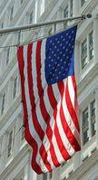US-Flagge: Investoren beeinflussen Wahlkampf. Bild: pixelio.de/Andrea Damm