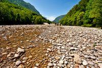 Weltweit drohen Flussbetten auszutrocknen, vor allem in den Regionen, in denen seit Jahren und Jahrzehnten Grundwasser gefördert wird. Foto: George – stock.adobe.com