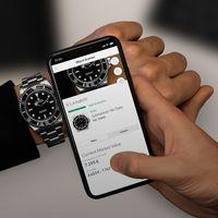 """Uhren mit nur einem Foto-Klick erkennen / Chrono24 veröffentlicht den Watch Scanner / Der Watch Scanner bei der Arbeit Bild: """"obs/Chrono24.com/"""""""