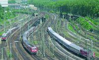 Gleisvorfeld des Hauptbahnhofs mit Überwerfungsbauwerken
