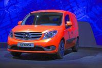 Der Mercedes-Benz Citan (intern: W 415) ist ein Hochdachkombi des deutschen Automobilherstellers Mercedes-Benz, der mittels Badge Engineering vom Renault Kangoo zweiter Generation abgeleitet ist.