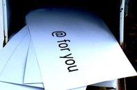 E-Mail: CEO mit politischem Einfluss (Foto: pixelio.de/Stephanie Hofschläger)