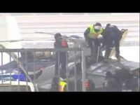 "Screenshot aus dem Youtube Video ""Hubschrauberabsturz Berlin Police Helicopter crash berlin"""