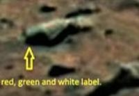 "Bild: Screenshot Youtube Video ""Is this proof of BEER on Mars? Nasa rover discovers a large green bottle on the red planet's surface """