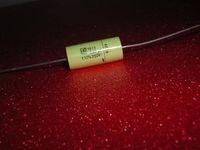 Kondensator: schon bald Ersatz für Batterien. Bild: pixelio.de/modellbauknaller