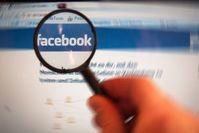 Facebook: unter der Lupe. Bild: pixelio.de, Alexander Klaus