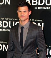 Taylor Lautner (2011)