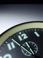 Hetze, Eile, zu spät, 5 vor 12 & keine Zeit (Symbolbild)