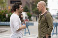 Bruce Willis (re) und Regisseur Len Wiseman (li) © 2007 Twentieth Century Fox