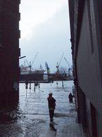 Überflutung der Großen Elbstraße in Hamburg-Altona