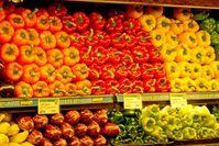 Gemüse: Konsumenten sollten auf EU-Logo achten. Bild: pixelio.de, M. Fels