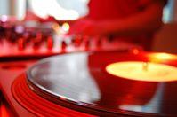 Die DJ-Kultur hat den Vinyl-Trend entscheidend beeinflusst. Bild: pixelio.de/Rafael Vogt