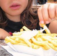 Pommes: 80 Prozent der Kinder essen ungesund. Bild: Thommy Weiss/pixelio.de