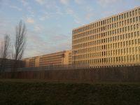 BND-Zentrale in Berlin-Mitte  Bild: Simon - Pierre Krautkrämer Lizenz: GFDL - wikipedia.org