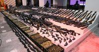 Ein Waffenlager: Viele davon liefern die Deutschen in alle Kriegsgebiete der Welt und ermöglichen dadurch viele neue Tode (Symbolbild)