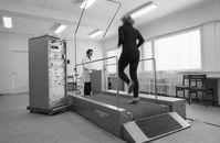 Laufband zur Funktions-Diagnostik für Leistungssportler (1980)