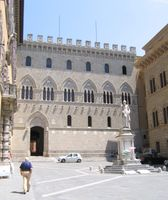 Sitz der Monte die Paschi di Siena Bank im Palazzo Salimbeni in Siena