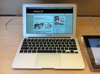 Geöffnete Webseite: Grafik-Designer ruinieren das Web. Bild:flickr.com/Sikachu