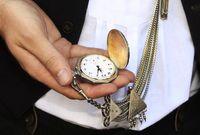 Uhr: 5 nach 12 (Symbolbild)