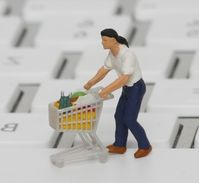 Online-Shopper: Kunden bei Apps sehr kritisch. Bild: pixelio.de, Tim Reckman