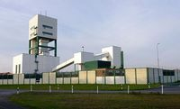 Teile der Gebäude des Erkundungsbergwerks am Salzstock Gorleben-Rambow. Bild: de.wikipedia.org