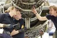 """Lufthansa Technik Azubis 2018 / 158 neue Auszubildende gehen bei der Lufthansa Technik Gruppe an den Start / Bild: """"obs/Lufthansa Technik AG/Gregor Schlaeger"""""""