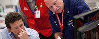 BP-Chef Tony Hayward mit einem Mitarbeiter der US-Küstenwache. Bild: BP p.l.c, über dts Nachrichtenagentur