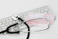 Telemedizin und Arzt (Symbolbild)