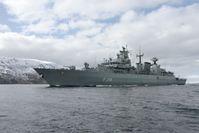 Fregatte F218 Mecklenburg-Vorpommern in den norwegischen Fjorden im Rahmen der NATO-Übung Andoya in Norwegen, am 23.04.2016.