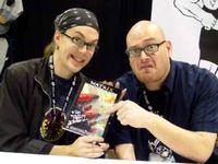 Larry Wachowski (links) und Andy Wachowski (rechts) (2004)