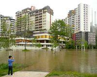 Hochwasser der Ihme in Hannover am Ihme-Zentrum, 30. Mai 2013