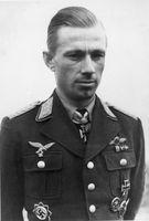 Helmut Lent im März 1943. Namensgeber der Kaserne.