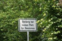Kein Platz für Rassismus - auch nicht gegen Deutsche