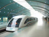 Jetzt mit 5G: Schanghais Transrapid im Bahnhof.