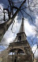 Der Eiffelturm und das Sendezentrum, wo ein Teil des Feldversuches durchgeführt wird Quelle: IfN/TU Braunschweig (idw)