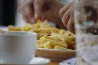 Pommes Frites: schwer zu widerstehen. Bild: pixelio.de/Günter Havlena