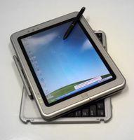 Hybrid-Tablet PC (HP TC1000) mit angeklappter Tastatur