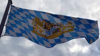 Bayernflagge: Bayern war das erste Gebiet das durch die Römer besetzt wurde. Bis heute sagen einige...