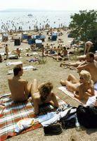 Nacktbereich des Strandbads Müggelsee in Ostberlin (1989)