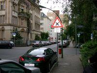 Einbahnstraßen im Westend, hier die Kreuzung Lessingstraße/Kettenhofweg