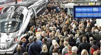 Ein überfüllter Bahnhof in Deutschland (Symbolbild)