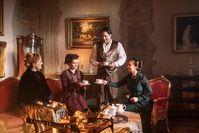 Eine nachgestellte Szene aus dem 19. Jahrhundert.  Bild: ZDF Fotograf: ZDF/Leo Pinter