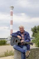 """Rolf Zuckowski in Hamburg an der Elbe.  Bild: """"obs/Wort & Bild Verlag - Gesundheitsmeldungen/w&B/ EVA HAEBERLE"""""""