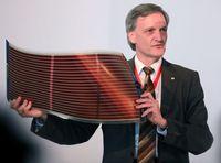Ein kommerziell erhältliches flexibles Modul einer polymeren organischen Solarzelle.